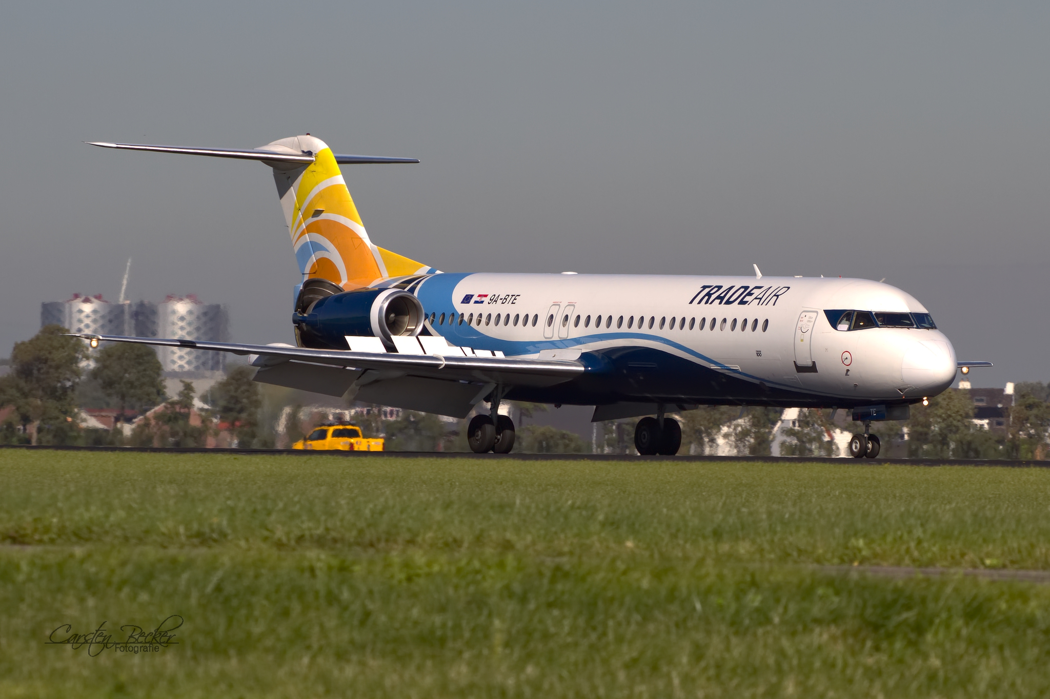 Trade Air Fokker100 9A-BTE